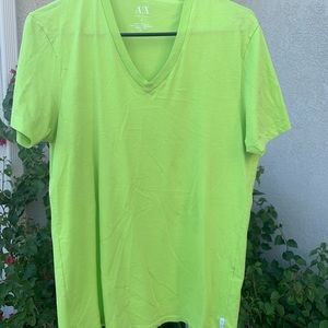 MENS ARMANI EXCHANGE V-NECK T-SHIRT SIZE SMALL